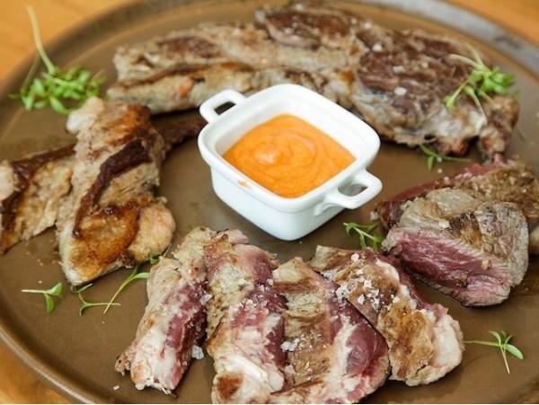 Menú de carnes selectas Txogitxu para 2 personas con bebidas