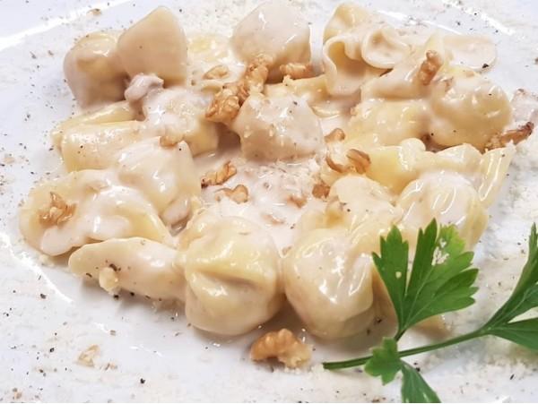 Menú de cocina italiana con bebidas para 2 personas