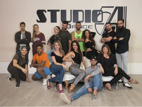 Aprende a bailar con 1 mes de clases en Studio 54