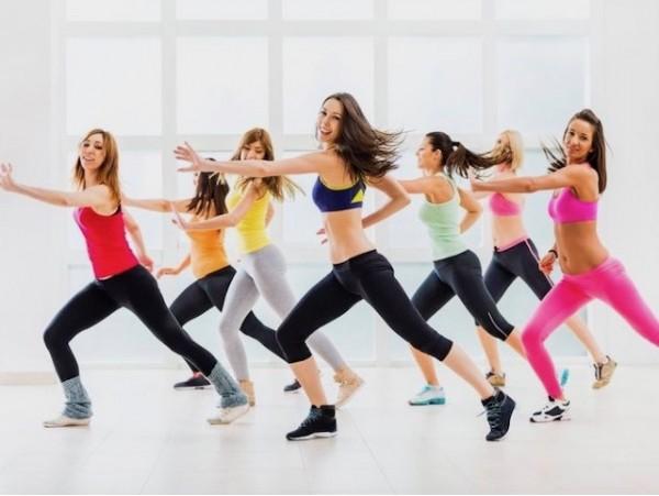 Diviértete bailando Zumba con 1 mes de clases