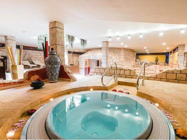 Exclusivo circuito spa para 2 personas + masaje relax + copas de cava