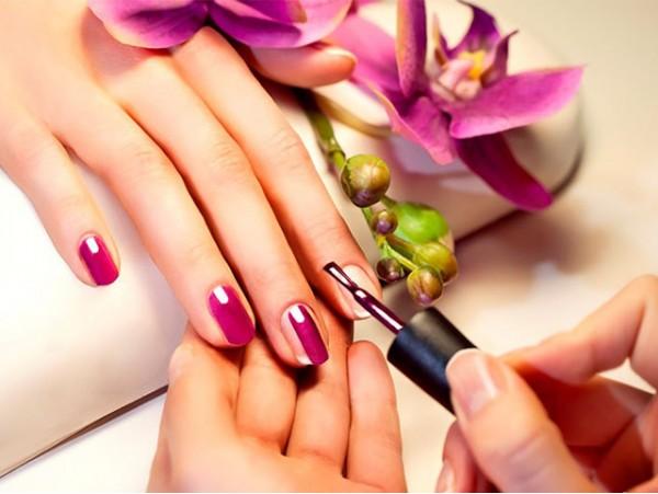 Sesión de manicura ¡Luce manos perfectas!