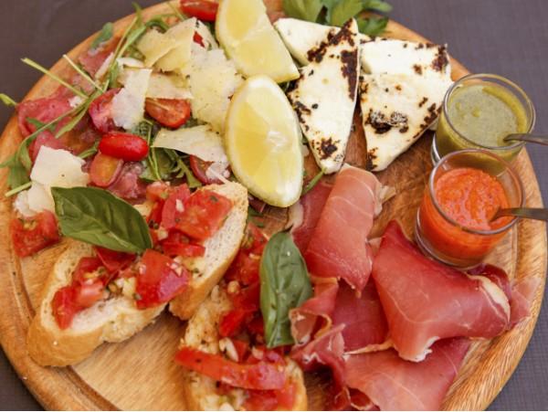 Menú italiano de auténtica pasta casera para 2 personas con postre y bebidas