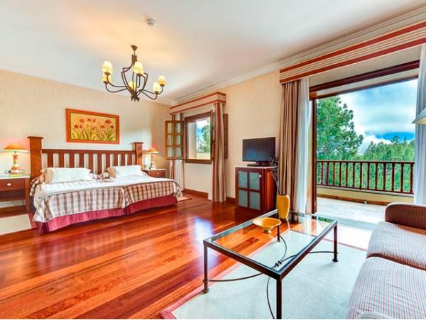 2 noches en habitación doble superior para 2 adultos con desayuno + Spa + opción a cena degustación + masaje en pareja