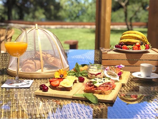Exclusivo evento brunch buffet rodeado de naturaleza para 2 personas el 20 de julio