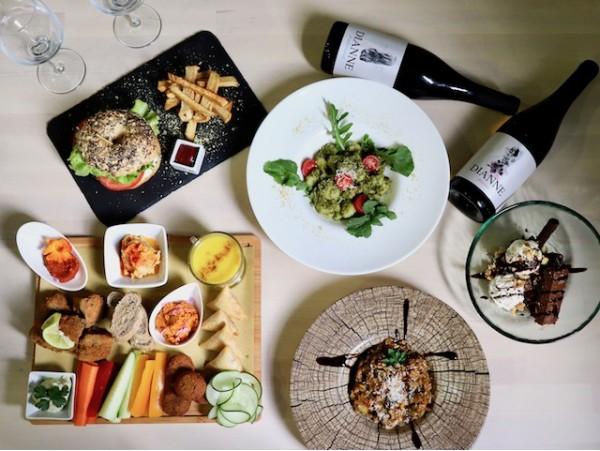 Delicioso menú degustación vegano con productos frescos para 2 personas en La Laguna