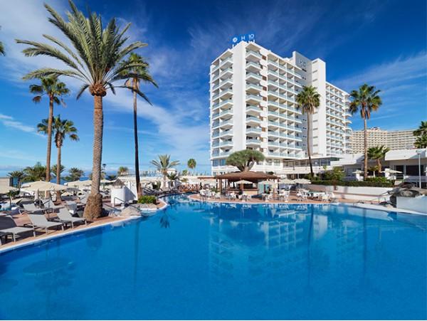 Almuerzo frente al mar + DayPass para 2 personas con cócteles + acceso a piscinas y playa + habitación de cortesía