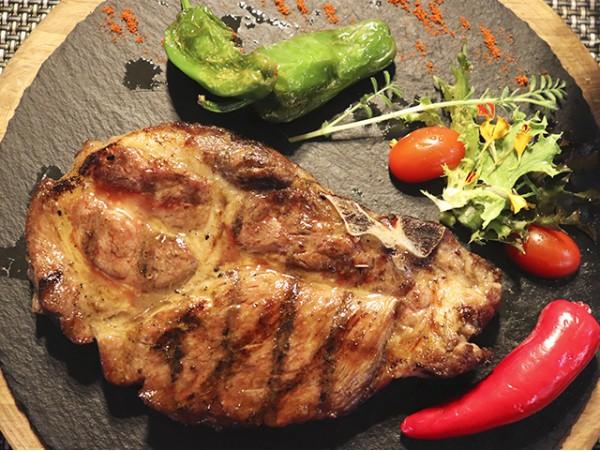 Menú degustación con carne selecta para 2 personas en el nuevo y exclusivo restaurante de Santa Cruz
