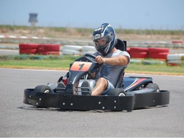 11 vueltas + bebida en Karting Las Américas