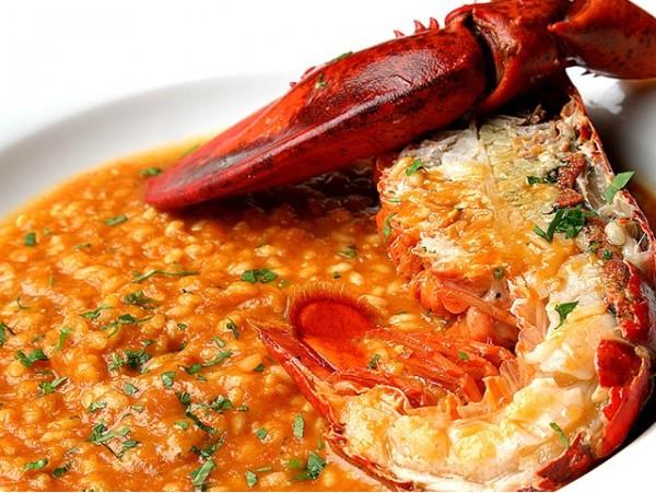 ¡Gran Semana Gastronómica del Marisco! Menú para 2 personas con mariscada, arroz con bogavante, postres y botella de vino