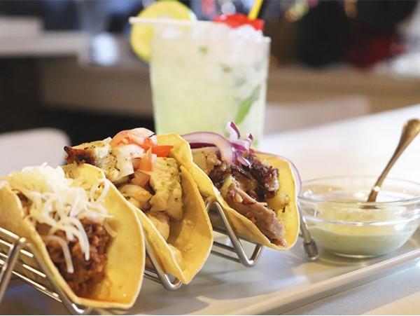 Kizomba: Menú mexicano para 2 con cócteles