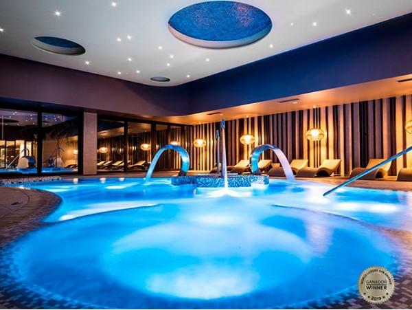 Circuito spa de lujo para 2 personas + masaje descontracturante en pareja