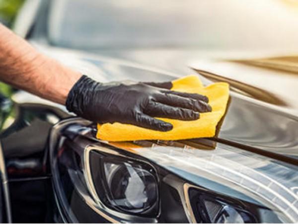 ¡Máxima desinfección para tu coche! Limpieza interior y exterior con desinfección completa