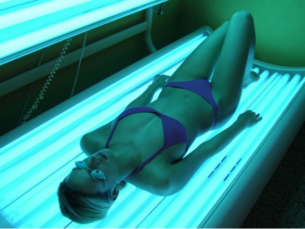 Broncéate con 10 sesiones de rayos UVA