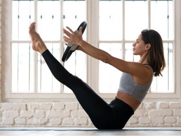 1 mes de clases de yoga dinámico, pilates o TRX a elegir