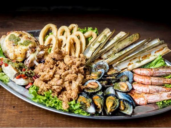 Menú para 2 con parrillada de marisco y pescado + bebidas