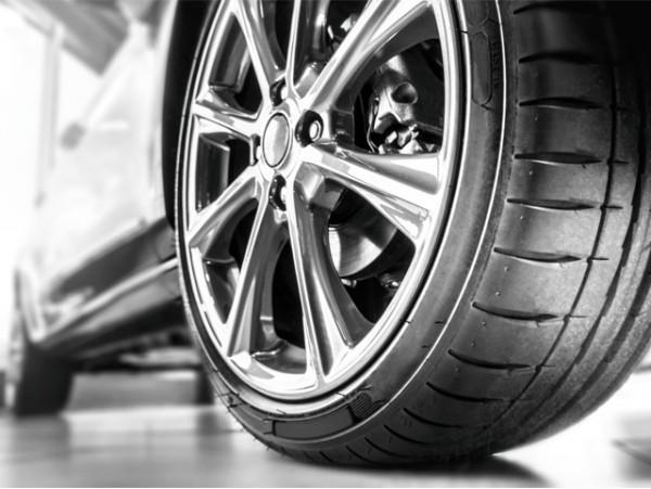 Lavado interior y exterior de coche con desinfección y opción a limpieza de tapicería