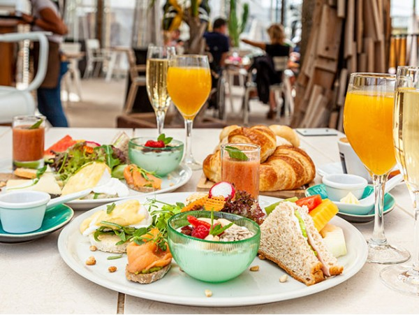 Brunch de lujo para 2 en Fuel RestoBar by Baobab Suites