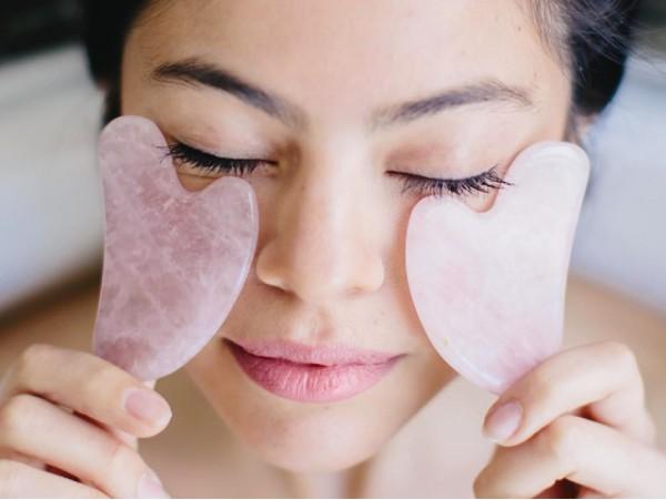 Consulta personalizada + tratamiento facial antienvejecimiento con piedra de jade