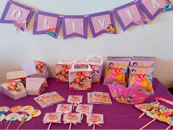 Pack de cumpleaños infantil con temática personalizada