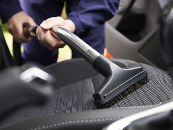 Limpieza completa de tapicería del coche + Lavado interior y exterior