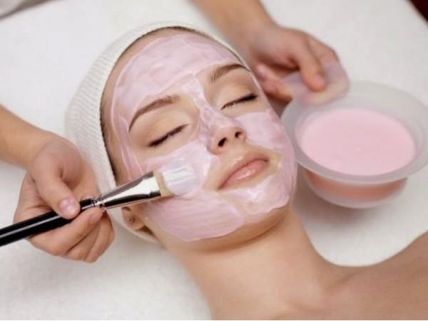Completa limpieza facial con extracción manual y mascarilla