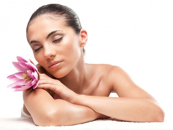 Peeling químico facial para revitalizar tu rostro