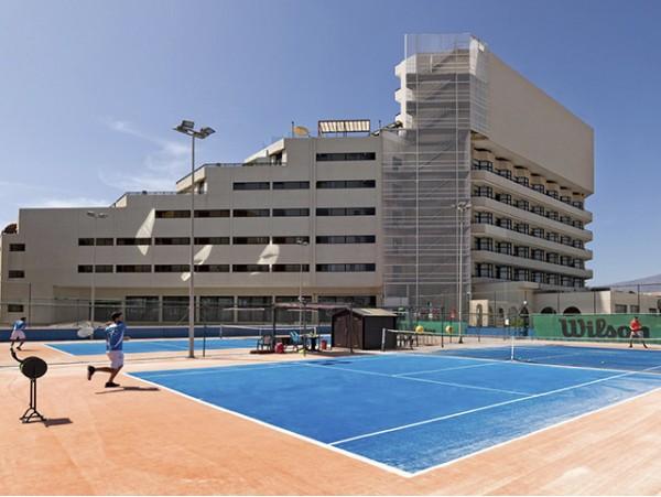 3 clases de tenis de 1h con raqueta para niño o adulto