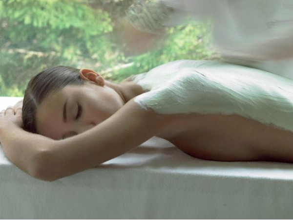 Tratamiento corporal reductor o relax hidratante con envoltura