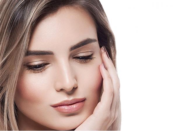 Tratamiento facial con peeling y mascarilla